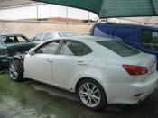LEXUS Is 250 siniestrado. VISTA LATERAL