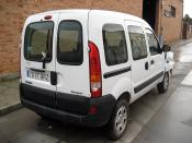RENAULT KANGOO AUTHENTIQUE siniestrado.